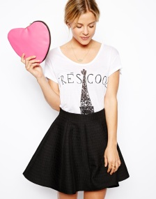 Asos clutch corazon