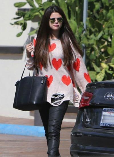 Selena Gomez hearts