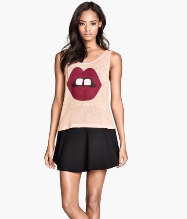 camiseta H&M labios