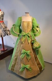 vestido papel verde
