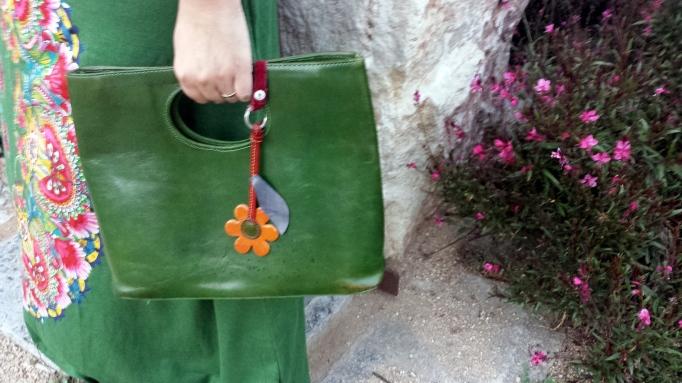 bolso con flor