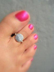 anillo pie plateado