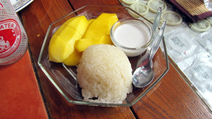 mango con arroz dulce