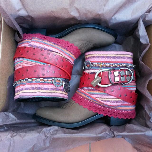 botas estilo boho rosas