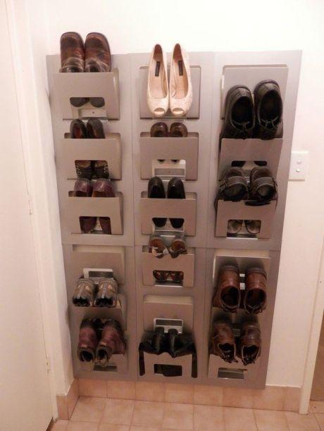 zapatos en revisteros