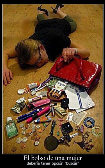 lo que lleva una mujer en el bolso