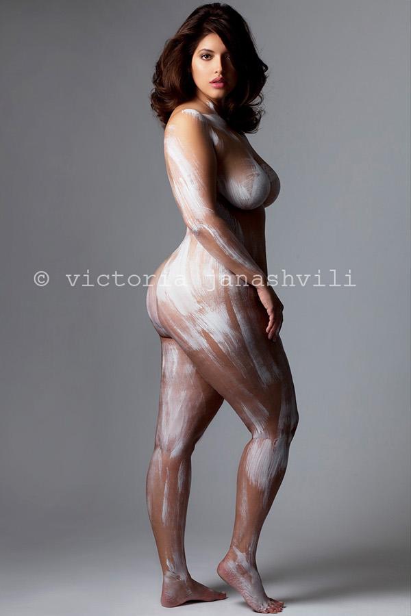mujer con curvas foto